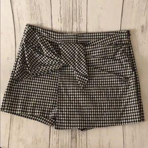 Zara black & white Gingham Print Skort size L